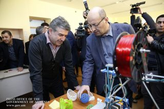 Կարեն Կարապետյանն այցելել է Տեղ գյուղի նորաբաց «Արմաթ» ինժեներական լաբորատորիա