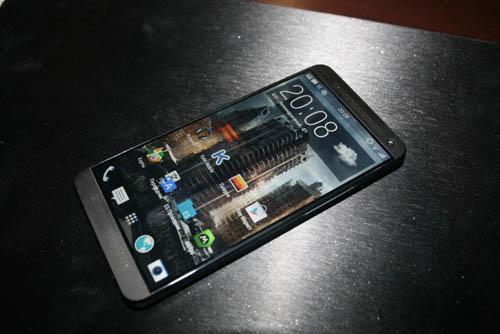 Հրապարակվել են HTC M8 նոր սմարթֆոնի նկարները