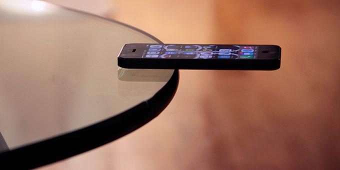 Extra Verso Grip. iPhone-ի համար նախատեսված կպչուն պատյան