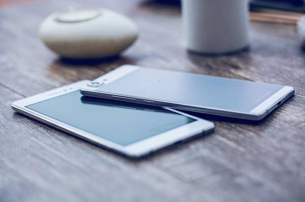 Oppo R5. աշխարհի ամենաբարակ սմարթֆոնը