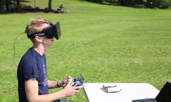 Ահա թե ինչ է պատահում, երբ տեսախցիկը միացնում են Oculus Rift-ին, այնուհետև տեղադրում այն դրոնի վրա