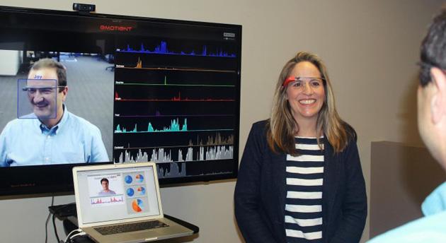Google Glass-ի նոր հավելվածը կօգնի հասկանալ խոսակցի զգացմունքները
