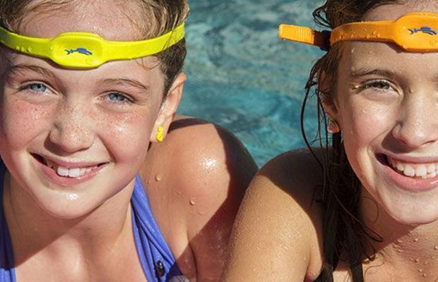 iSwimBand. սարք, որը թույլ է տալիս վերահսկել լողացող երեխաներին
