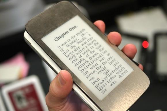 Կախված հետնամասի կափարիչի ընտրությունից՝ փոխվելու են նաև Galaxy S6-ի հնարավորությունները