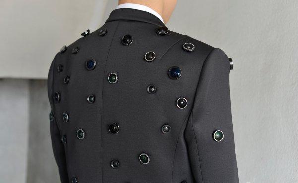 Aposematic Jacket. մեջքի վրա աչքեր ունեցող բաճկոն