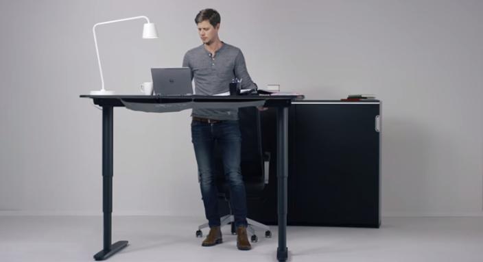 Ikea-յի էլեկտրական գրասեղանը կստիպի Ձեզ վեր կենալ աթոռից