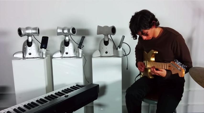 Երաժշտական իմպրովիզացիա` Մեյսոն Բրետանի և ռոբոտների կատարմամբ