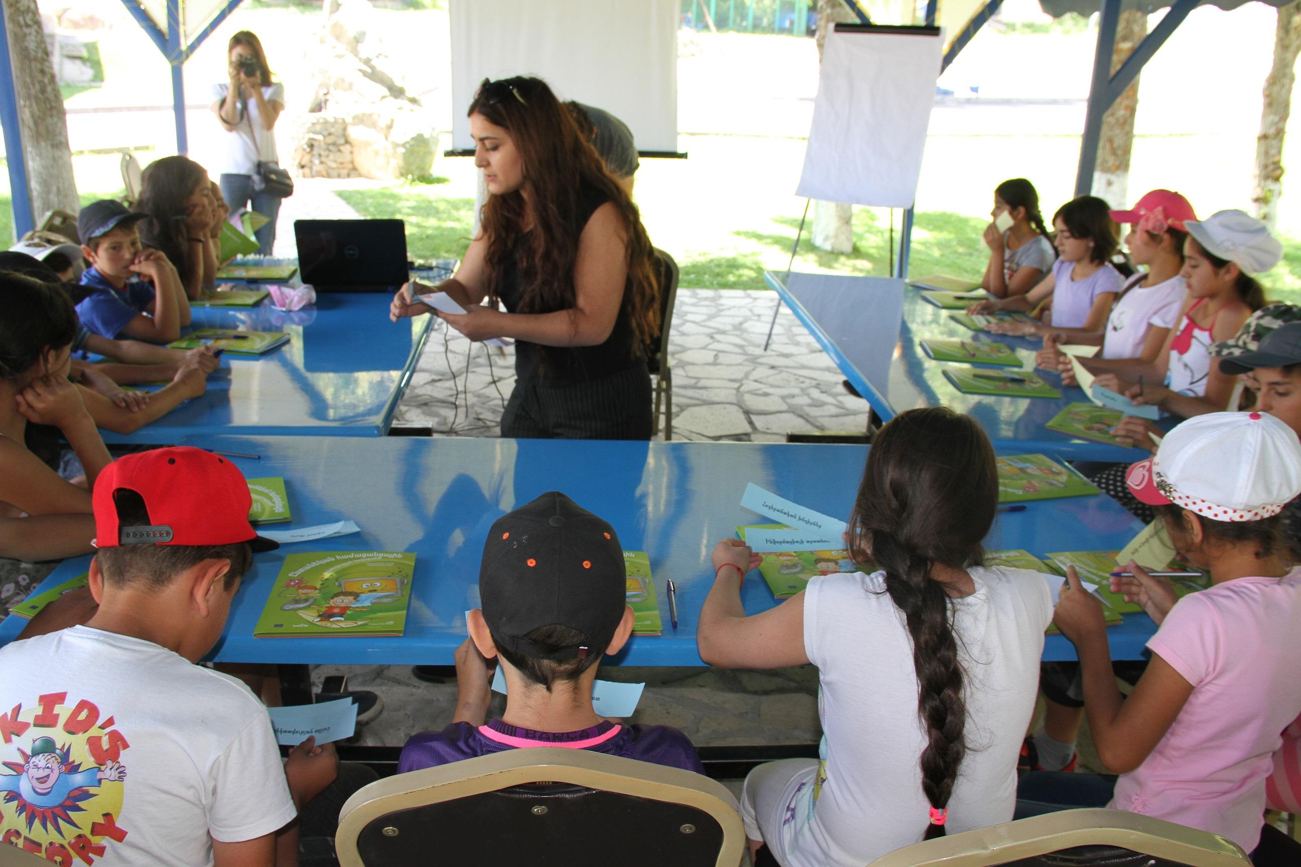 Beeline. «Անվտանգ համացանց» կրթական դասընթացներ ամառային ճամբարներում