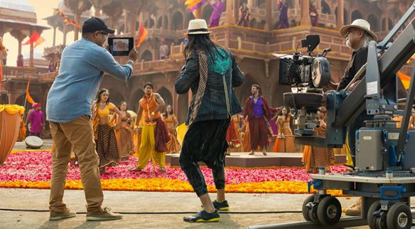 Bollywood Vision. iPad Air-ի նոր գովազդային տեսահոլովակը